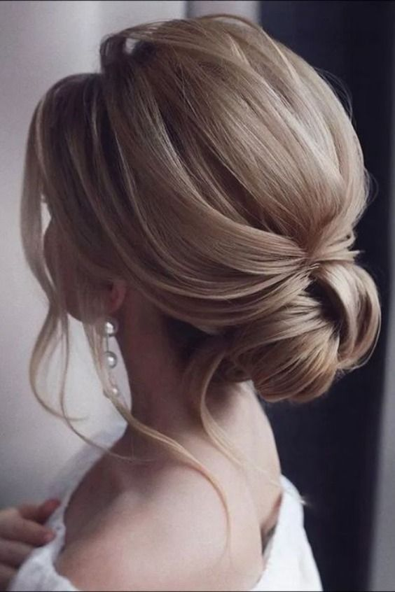 10 Easy Short Updos Hairstyles | Best Ideas About Short Updos Hairstyles  #shortupdohairstyles