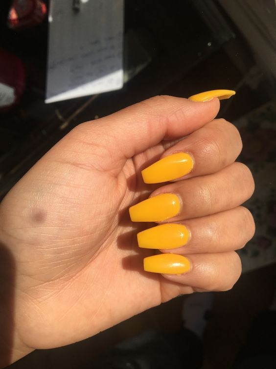 stunning yellow nail design