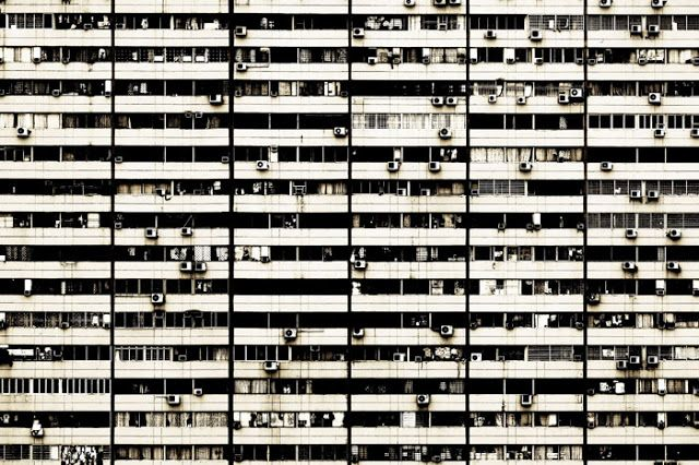 andreas gursky essay Andreas gursky essay - andreas gursky andreas gursky was born in leipzig and studied in essen and later düsseldorf as winner of the citibank private bank photography prize in 1998, gursky has established himself as one of the leading photographers of his time.