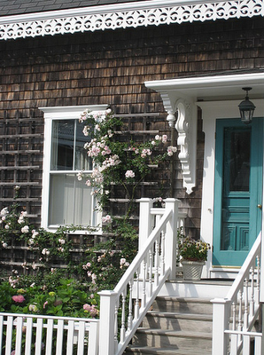 Nantucket cottage - I love Nantucket homes and I especially love the contrast this door adds.