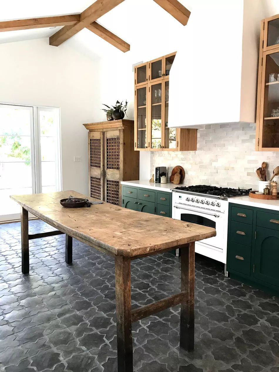 17 Kitchens That Will Make You Want To Retile Yours In 2020 Interior Design Kitchen Kitchen Renovation Reclaimed Wood Kitchen