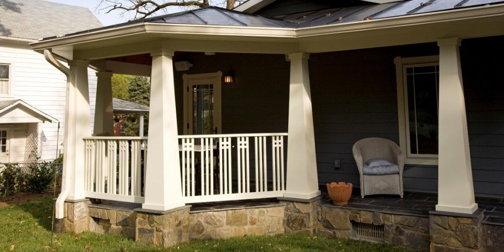 Best craftsman porch railing rod iron railings for Craftsman screened porch