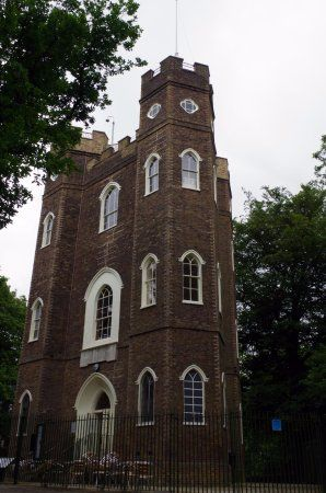 Severndroog Castle, London Picture: The Castle - triangular construction with hexagonal turrets at each end. - Check out TripAdvisor members' 52,058 candid photos and videos.