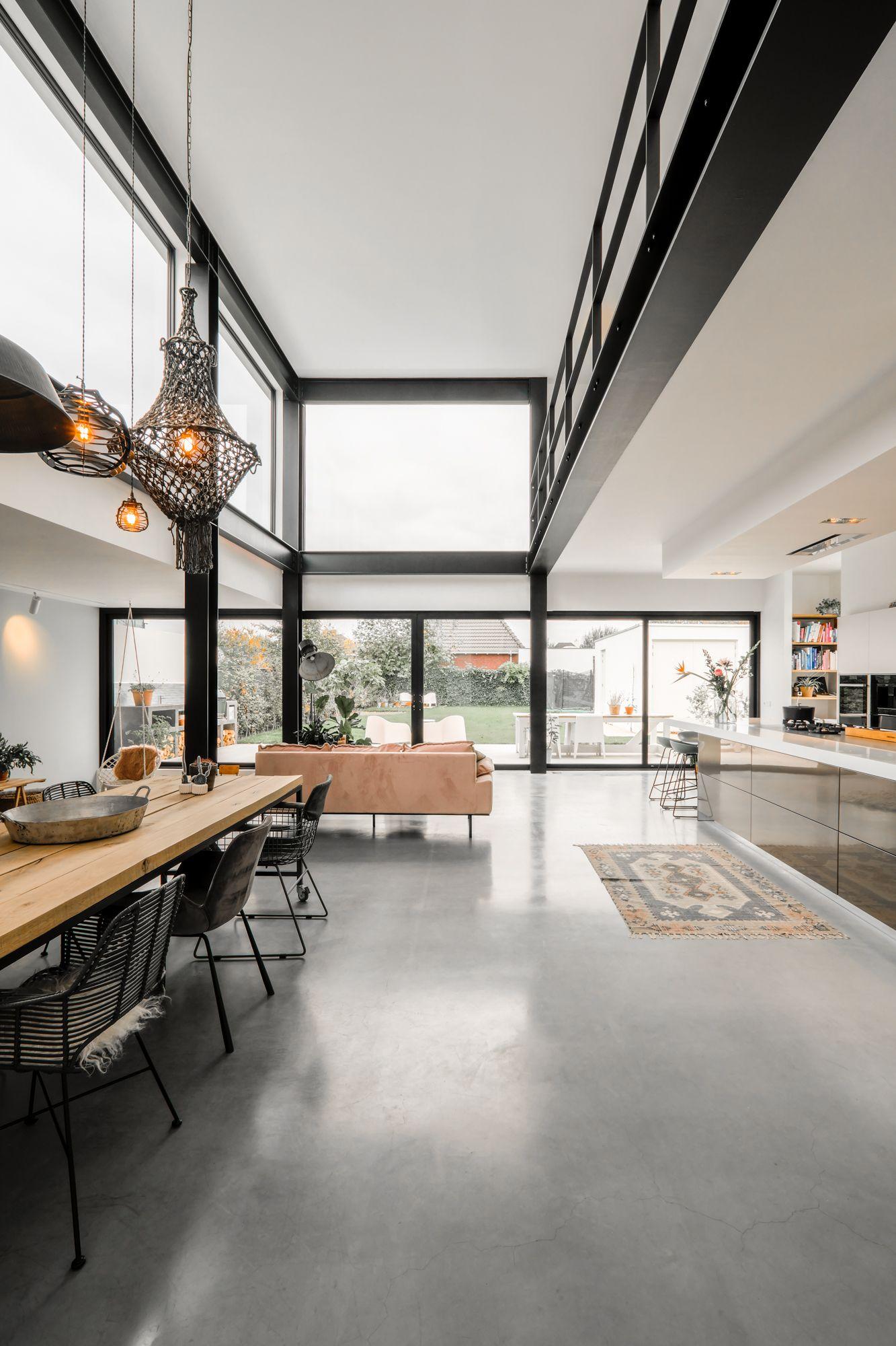 Nieuwbouw vrijstaande industriele woning in Breda