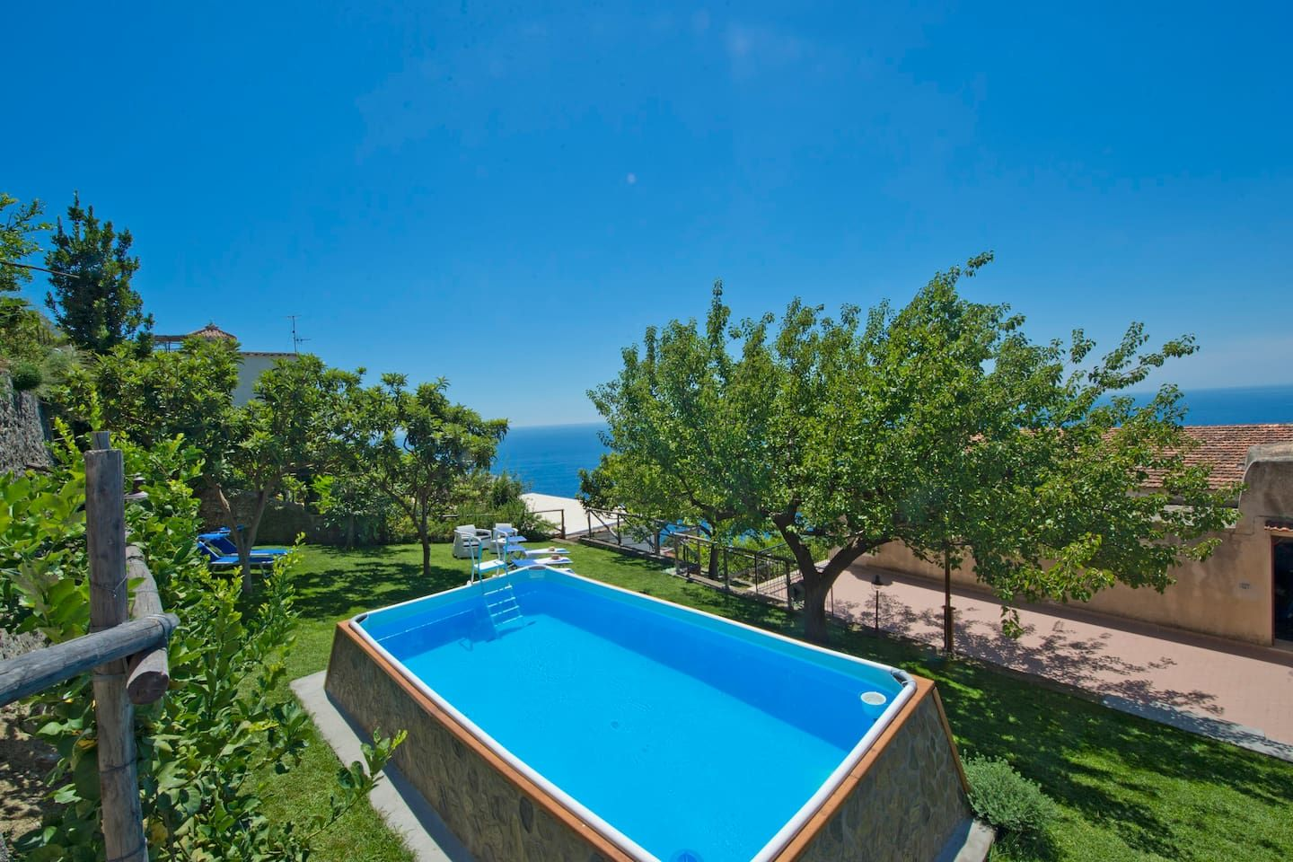 Villa+pool in the centre of Praiano - Apartments for Rent ...