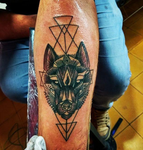 Cucho Tattoo Tattoo De Lobo Geometrico Tatuajes En Uruguay