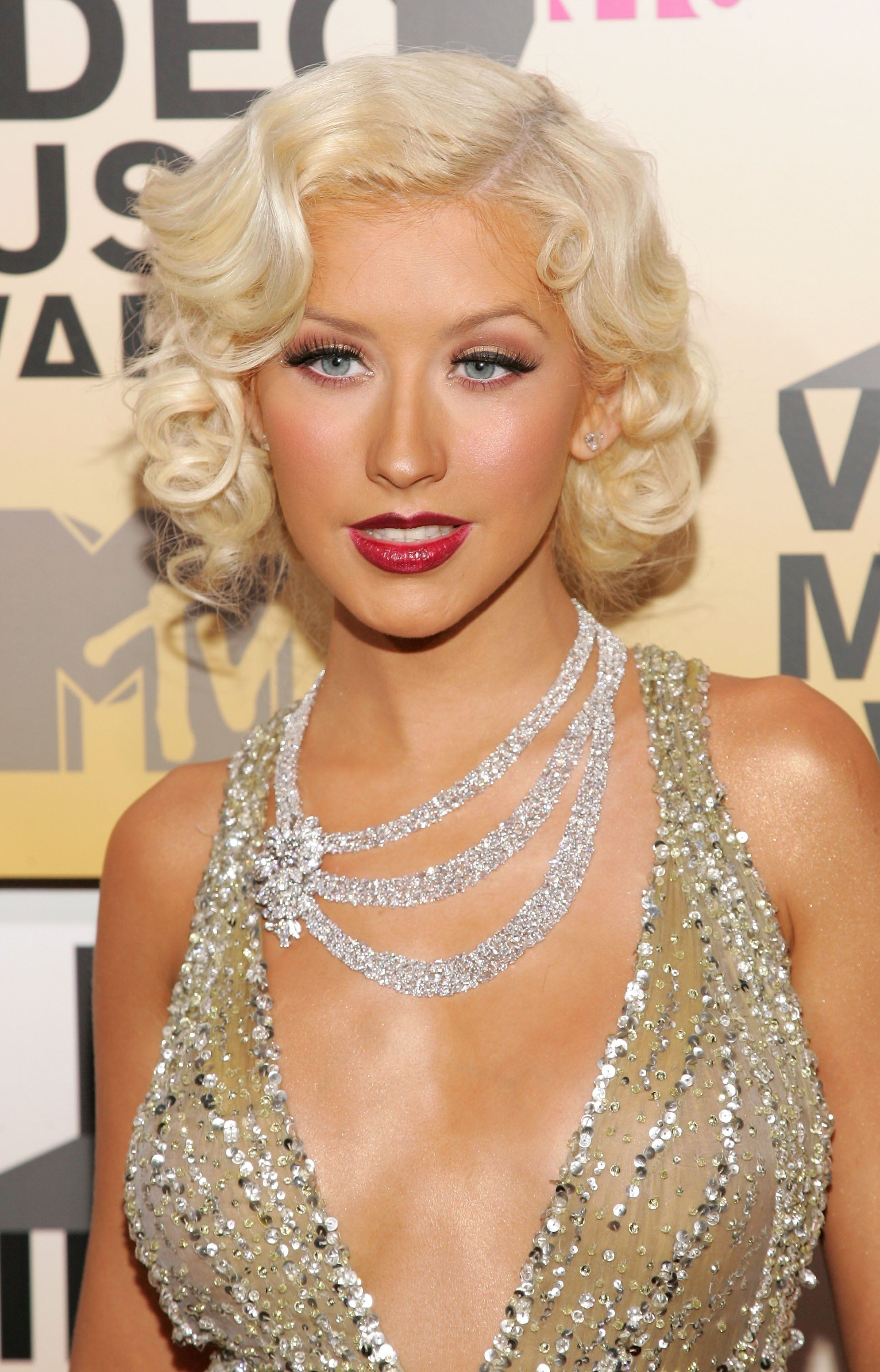 Christina Aguilera S 2006 Vma Look Was Flawless In 2019 Social