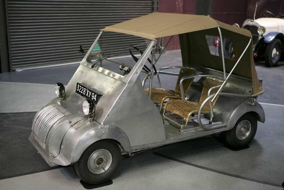 l 39 anc tre de la voiture sans permis le biscooter de 1953 apr s la guerre voisin s 39 est. Black Bedroom Furniture Sets. Home Design Ideas