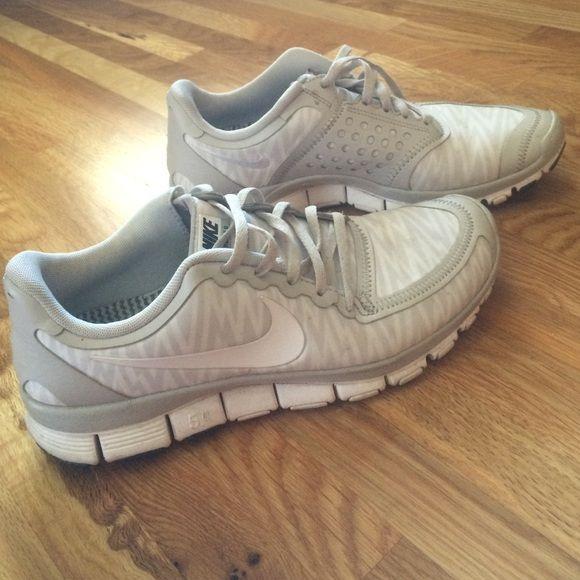Tennis shoes white nike tennis shoes Nike Shoes Athletic Shoes