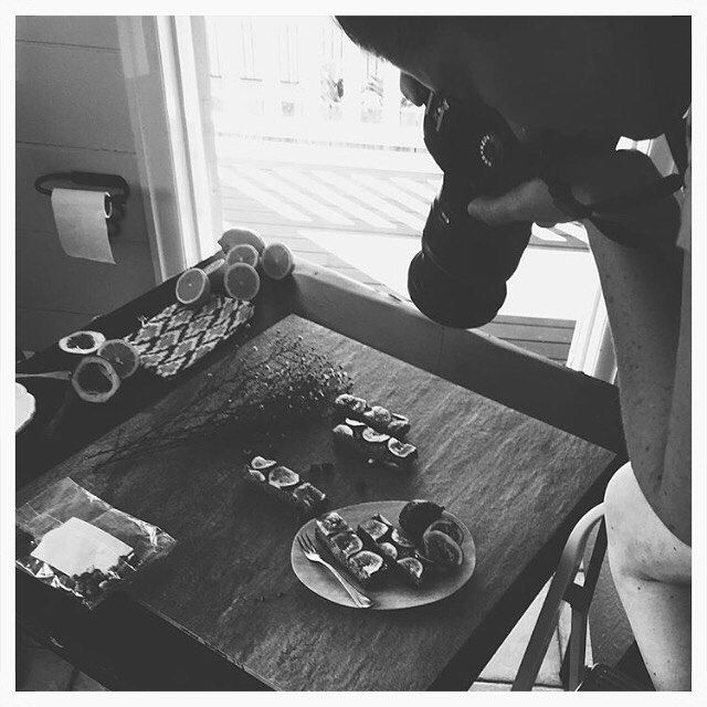 A little more BTS action from our photoshoot yesterday.....and YES that is a toilet roll holder in the background  we will go wherever there is the best light  A&CJ @ TWC ✌️ #wellnesscollective #thewellnesscollective #behindthescenes #bts #foodphotoshoot @jocelynmackenziephotography #foodporn #sweets #cleantreats