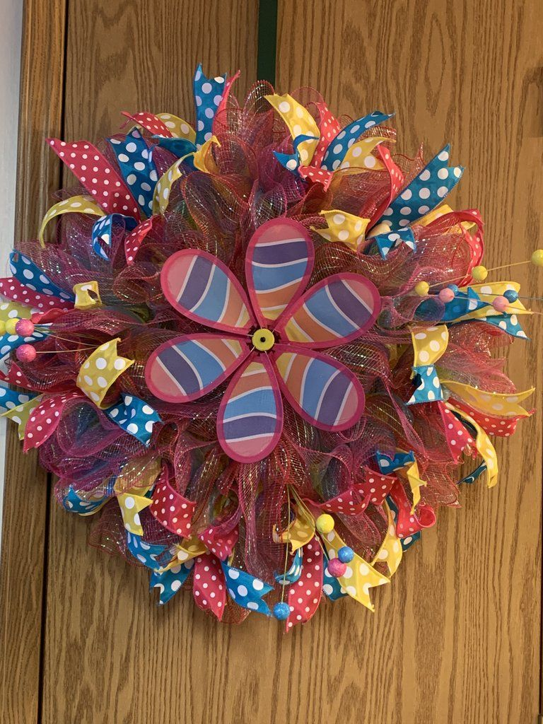 Spring Pinwheel Wreath in 2020 Spring diy, Wire wreath