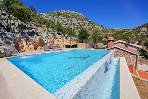 Ferienhaus Starigrad Paklenica mit Pool für bis zu 7