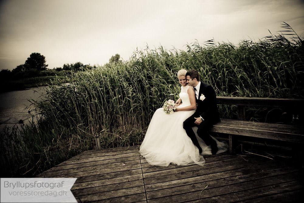 Brudeparret Fotograferet Ved Siv Brylluppet Foregik I Den Norske Somandskirke I Kobenhavn Somandskirken Kobenhavn Brud B Bryllup Bryllupsbilleder Brud