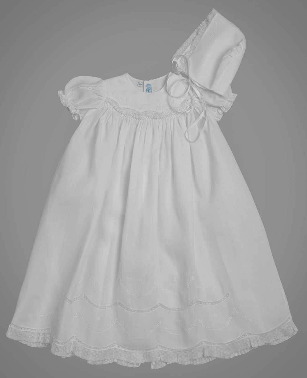 063080142 Girls Smocked Special Occasion Set