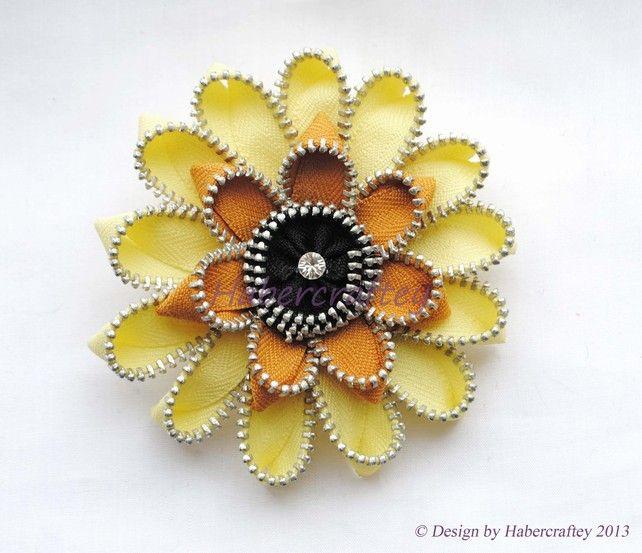 3 zipper gerbera flower dual function hair clip brooch - zip craft habercraftey £15.00