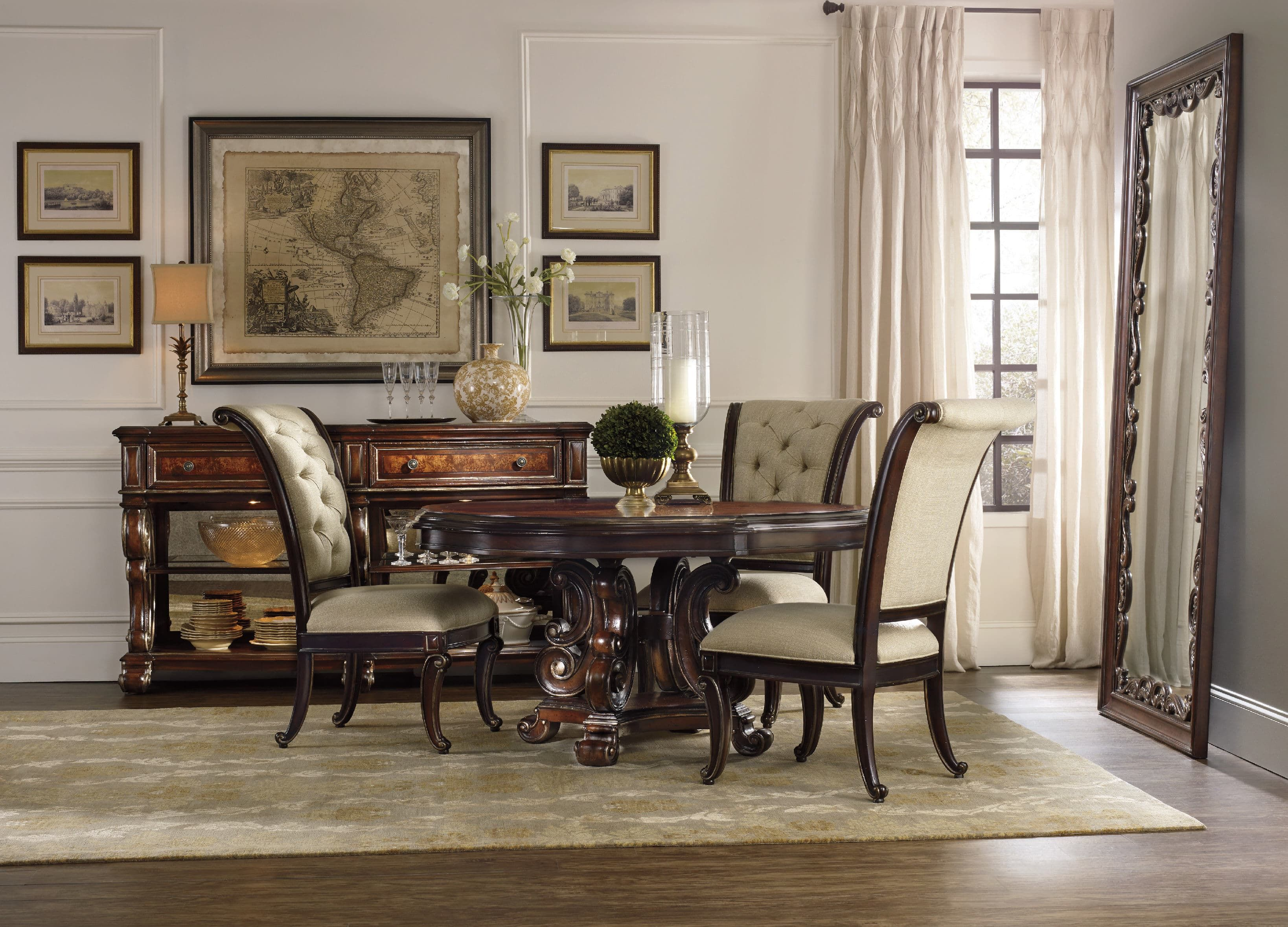 The essence of luxurious European traditional style Grand Palais