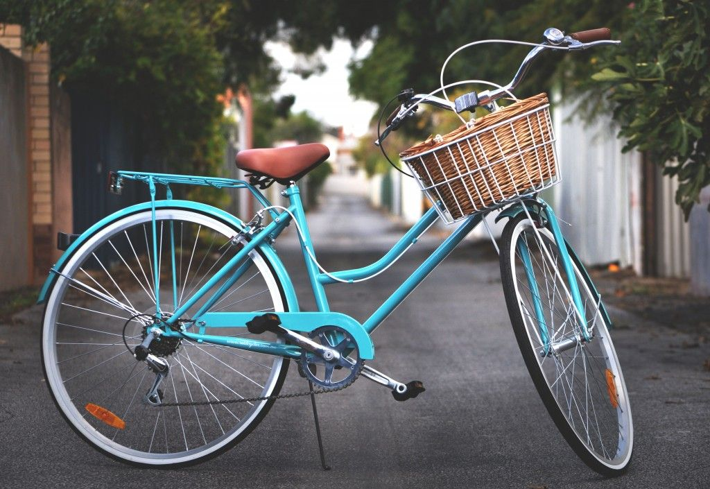 11 Reasons Why You Should Ride A Vintage Bike Fashionably