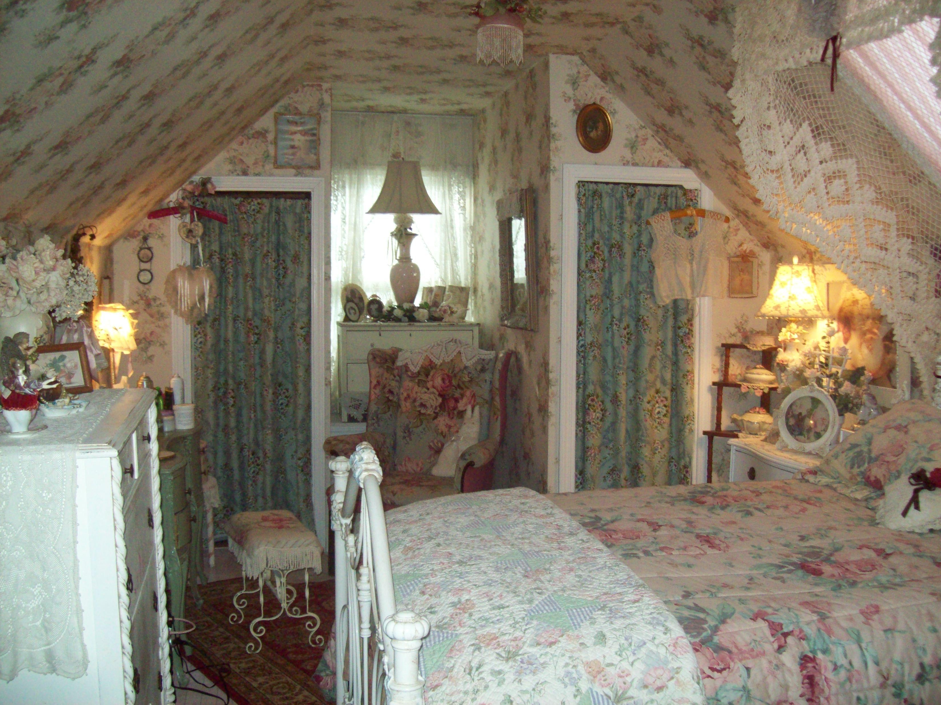 die besten 25 cottage schlafzimmer ideen auf pinterest bauernhaus schlafzimmer vintage. Black Bedroom Furniture Sets. Home Design Ideas