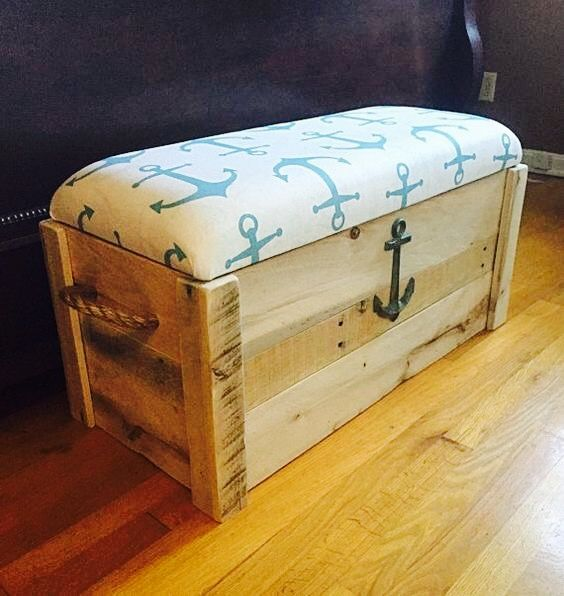Nice Storage Trunk For A Water House Beach Furniture Nautical Bedroom Nautical Room