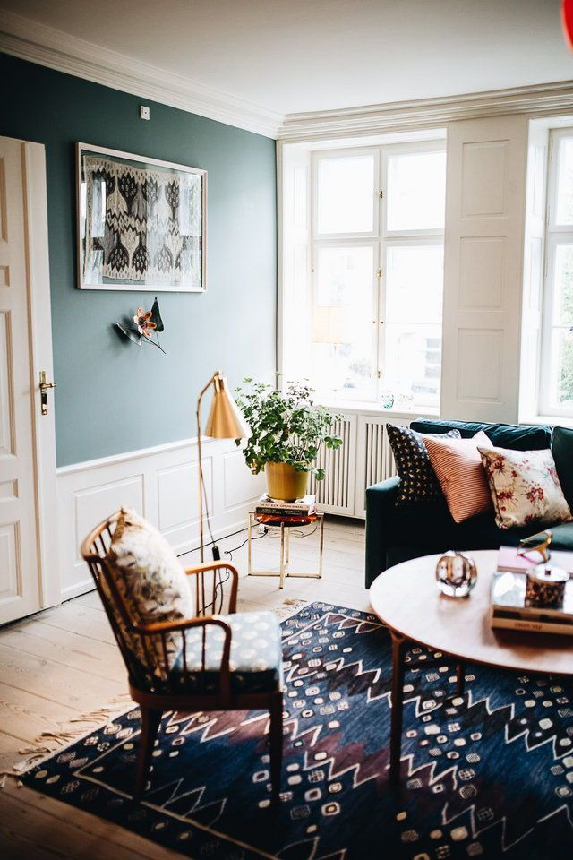 Living room with deep colored rug #heartdetail