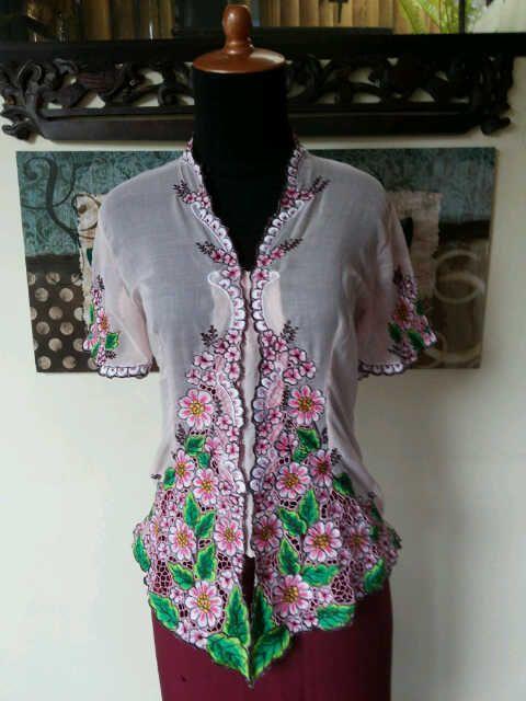 Baju Khas Bali