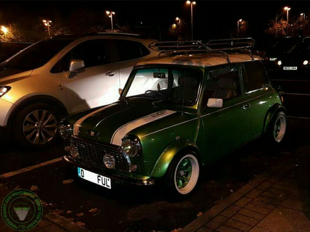 WIDE ARCHED WEDNESDAY MINI IN THE DARK this week is the stunning Hulk belonging to my good friend Ashley from the Midweek Mini Crew. Love this Mini, thanks for the share Ashley. Much appreciated mate.