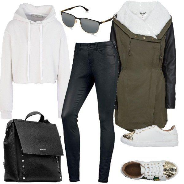 667249eadf Outfit perfetto per le giornate fredde, grazie al parka imbottito con  maniche effetto pelle,