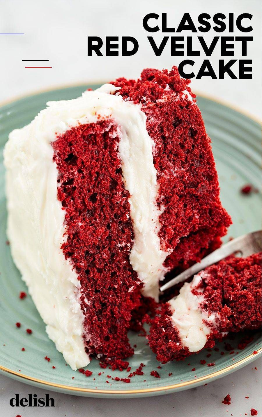 Red Velvet Cake Steals The Show Every Time Redvelvetcake This Red Velvet Cake Is One Of The Most Mesmerizing Cakes Around Em 2020