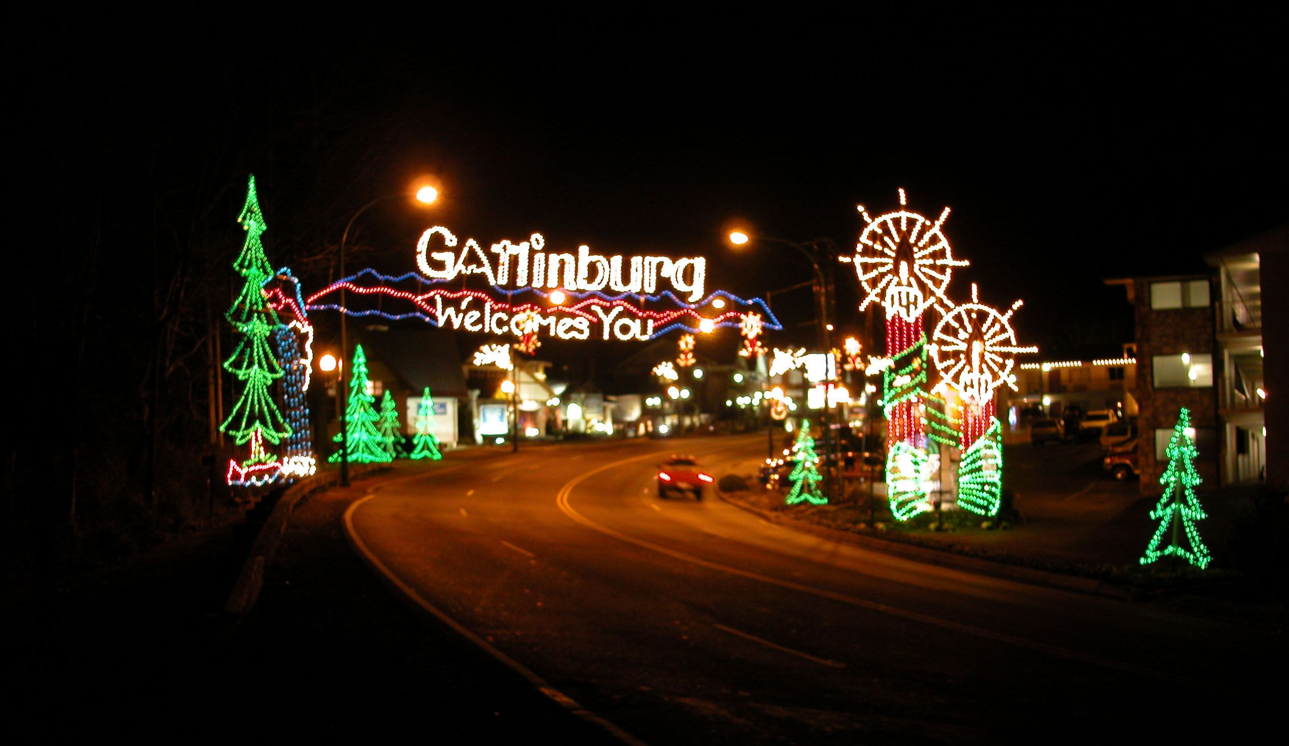 Gatlinburg Celebrates Winter With Over 3 Million Lights Throughout The City Gatlinburg Vacation Gatlinburg Christmas Tennessee Christmas
