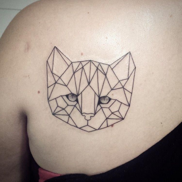 Katzen Tattoo Schulterblatt Geometrisch Kopf Abstrakt