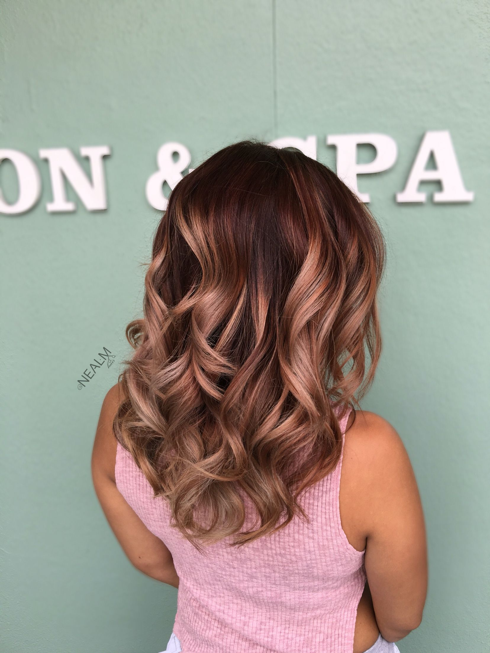 Rose gold Balayage ombré hair painting by @nealmhair in 2019