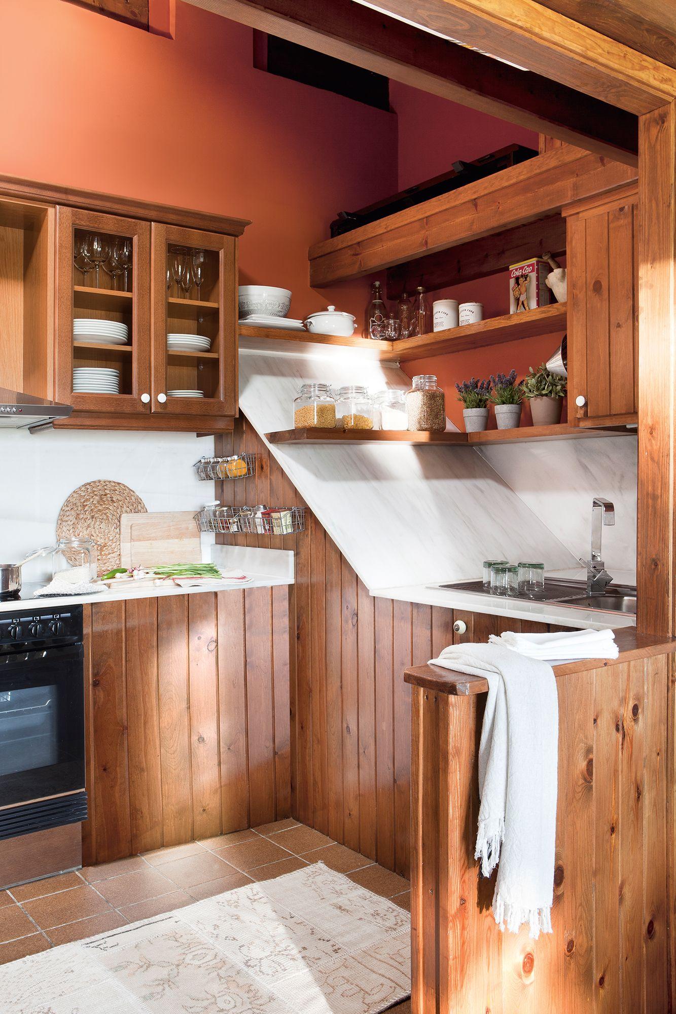 De madera | Cocinas | Cocinas de cabañas, Cocinas pequeñas, Paredes ...
