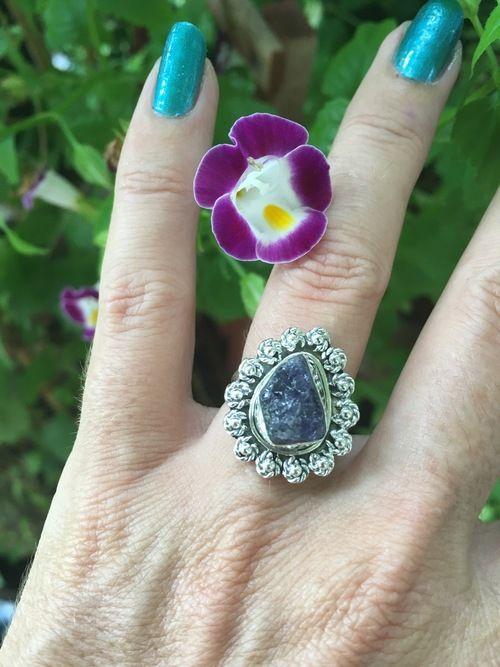 Rough Tanzanite triple Ring. 925 Silver Beautiful Design *Stunning* size 6