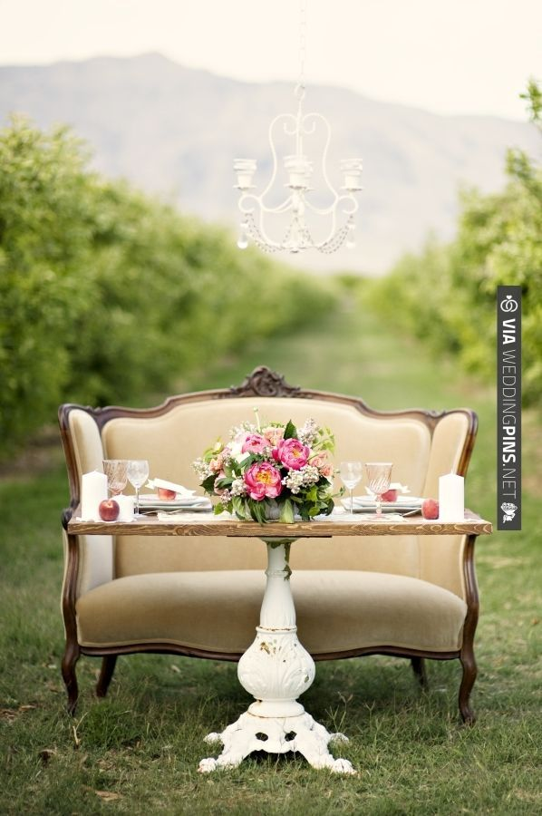 Vintage Table Decoration Ideas Sweetheart Table For The Bride And Groom
