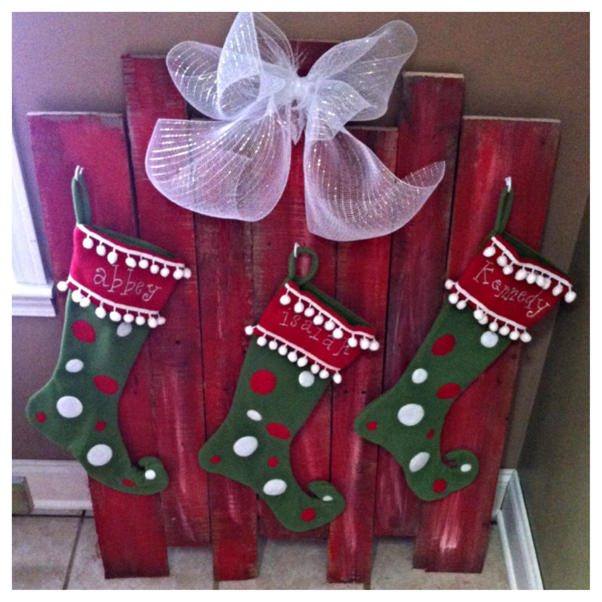 pallet stocking holder when you don u0027t have a mantle christmas