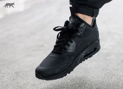 d38d57c50a0a Nike-Air-Max-90-Mid-Winter-Triple-Black -Edition-Mens-Trainers-UK-Size-6-806808