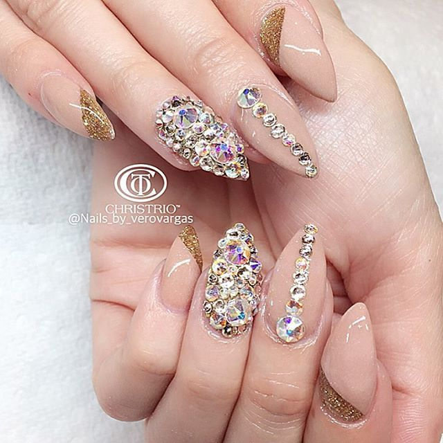 Nude swarovski nails | nails | Pinterest | Diseños de uñas, Uñas ...
