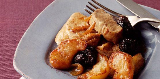 Filet mignon de porc aux pommes et aux pruneaux