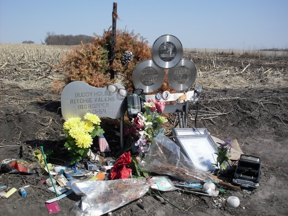 Buddy Holly S Plane Crash Site Person Pictures And