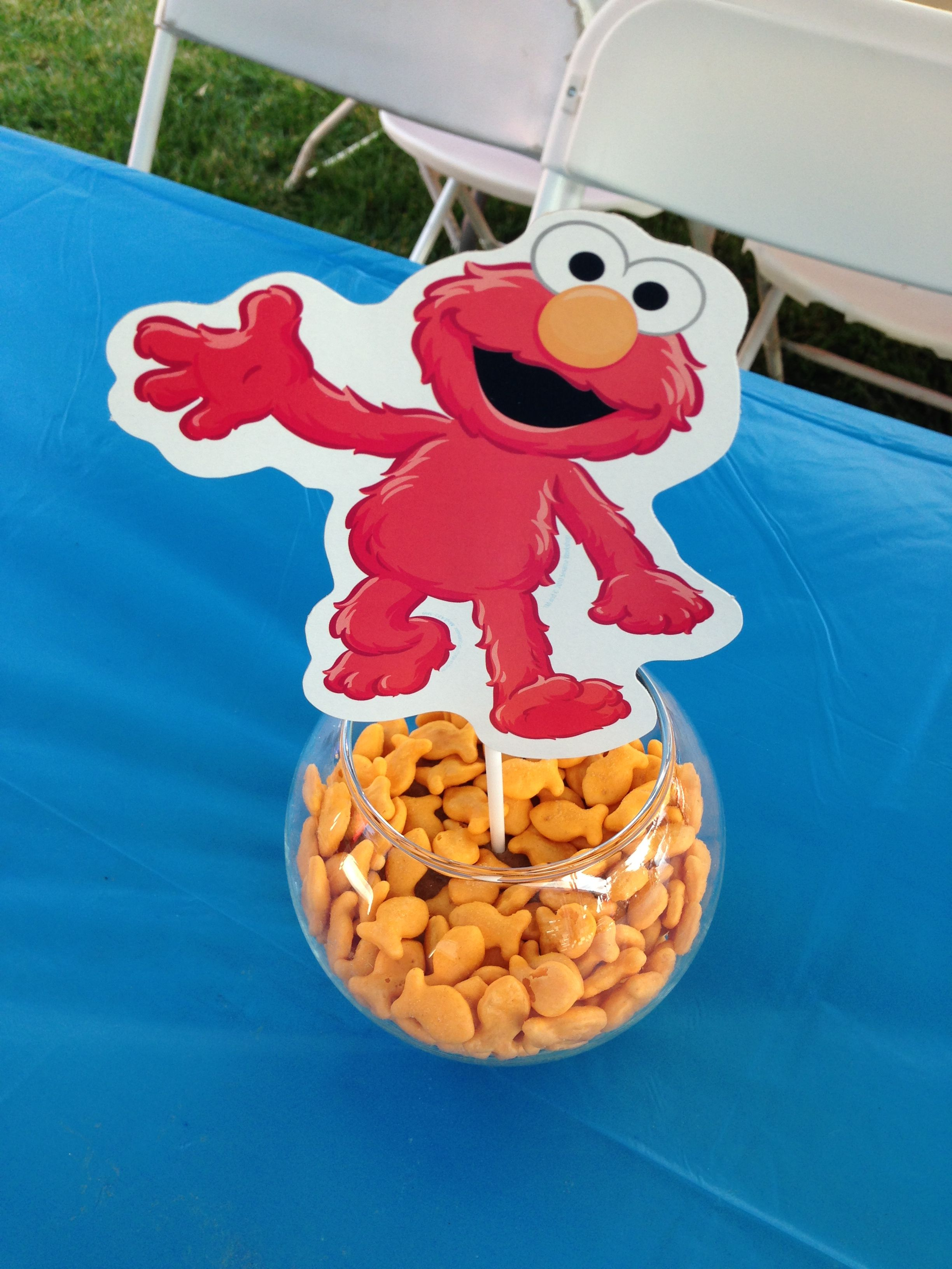 Elmo Loves His Goldfish Centerpieces <3 Cut Out A Round