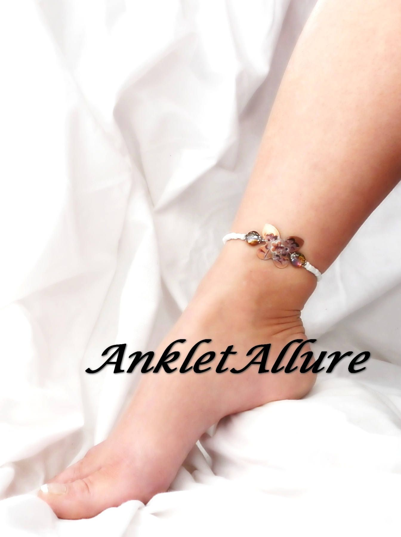 by and rings worn a women anklet anklets fancy stock wearing toe sandals oblacoder cuff woman gladiator india tan photo karnataka ring leather ankle mens
