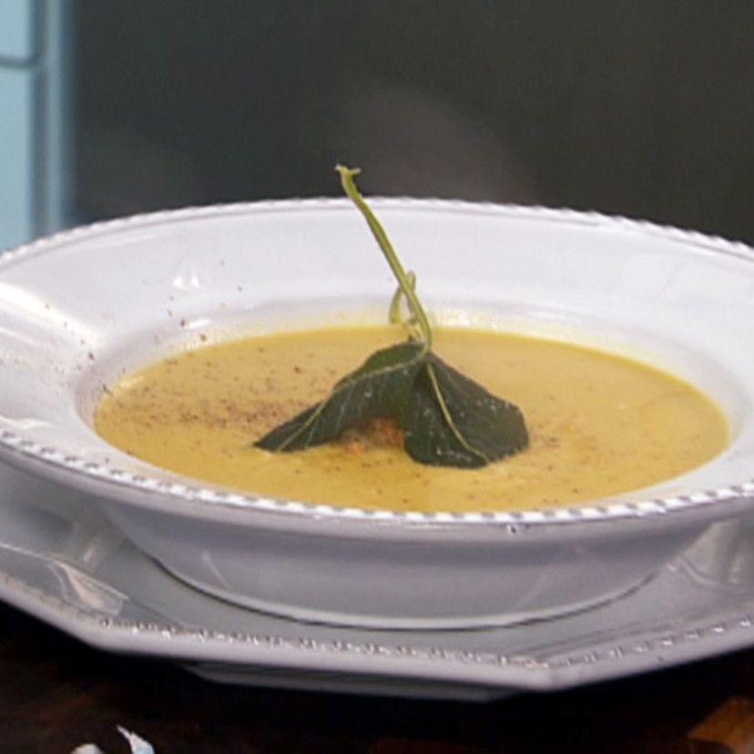 Roasted Butternut Squash Soup with Amaretti Cookies #butternutsquashsoup