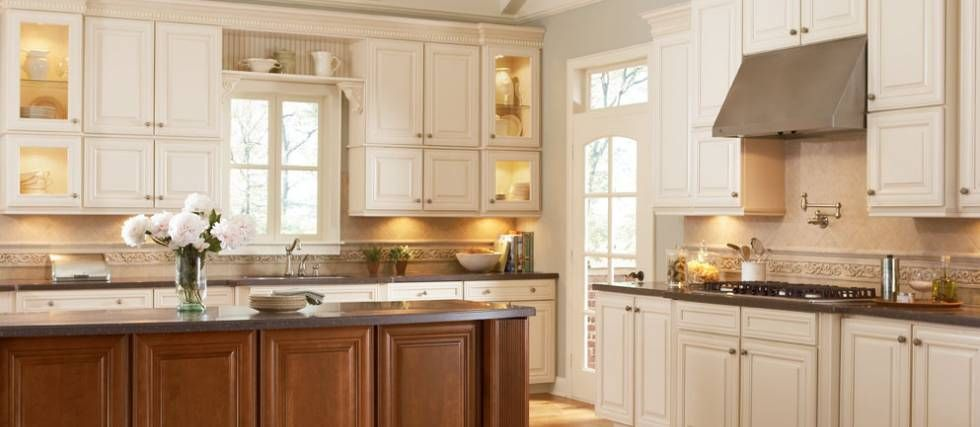Shenandoah Kitchens  Shenandoah Cabinetry Exclusively At Lowe's Captivating Lowes White Kitchen Cabinets Design Inspiration