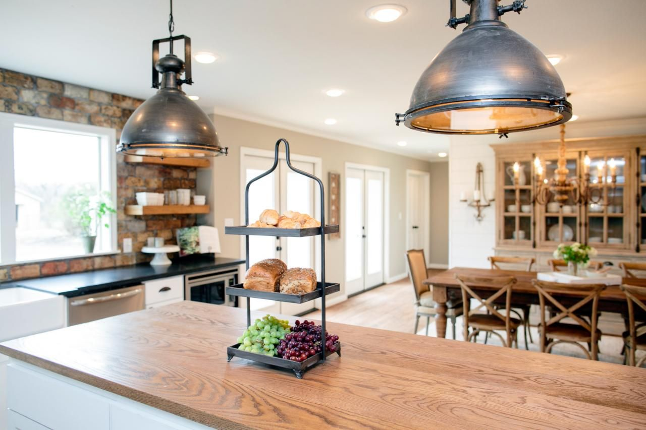 Fixer upper kitchen pendants - Kitchen Makeover Ideas From Fixer Upper