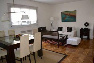 Como decorar una sala pequena y moderna decora de forma for Salas espacios pequenos