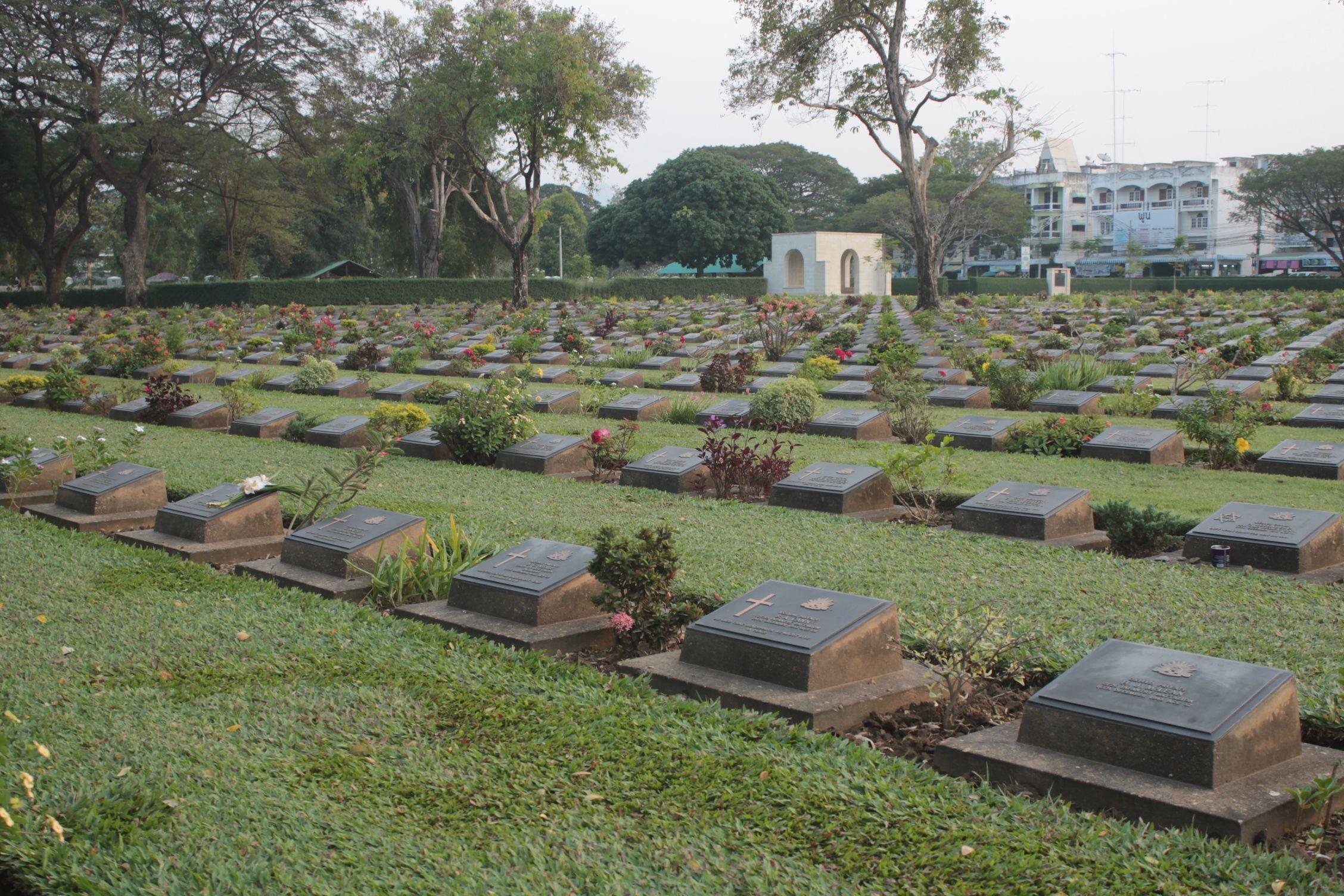 Cementerio de la IIWW en Kanchanaburi