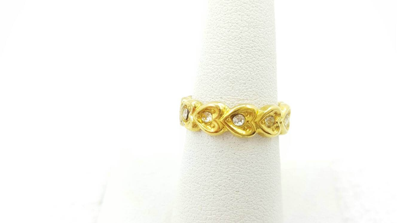 Avon Heart to Heart Gold Tone Ring Mint condition size 6.5 Love band 1992