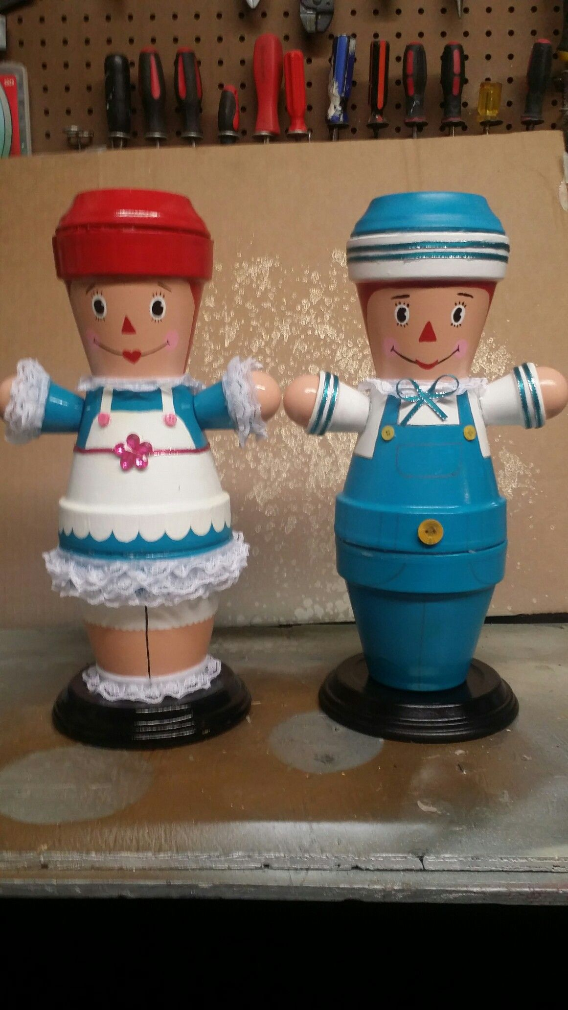 raggedy ann and andy clay pot | jardinage - pots de fleurs