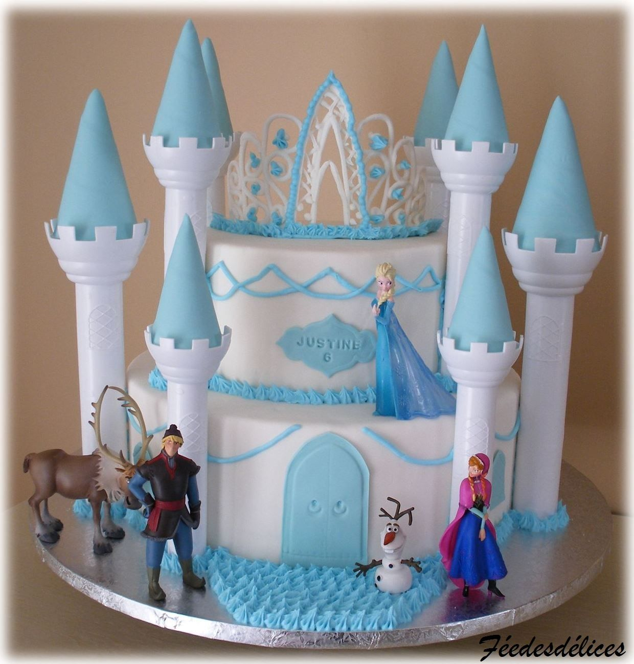 Ch teau reine des neiges frozen castle cake frozen for Chateau la reine des neiges