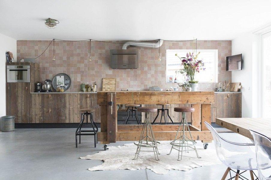 Vtwonen Keuken Houten : Keuken met een houten eettafel kitchen with wooden dining table